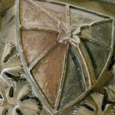 Escudo De Teobaldo I En Uno De Los Pilares