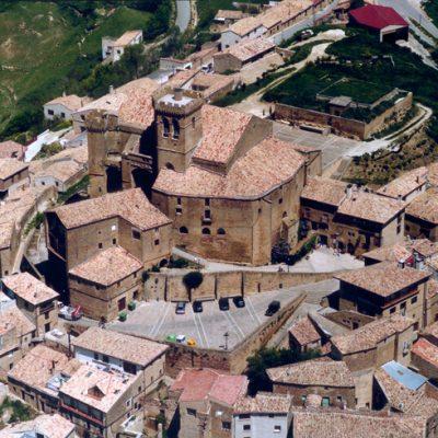 Vista Aérea Del Importante Conjunto Santuario-fortaleza De Ujué