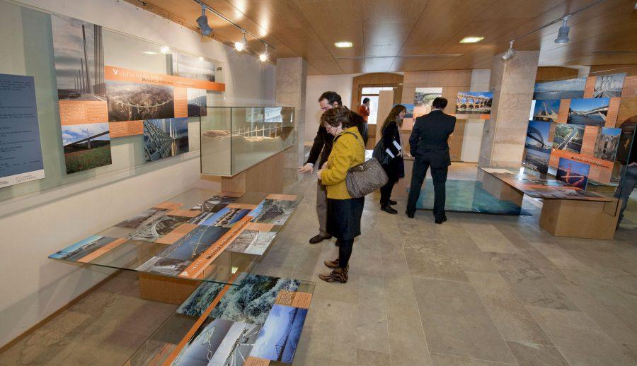 Puente La Reina Acoge La Exposición Permanente 'Ultrapontem. Un Recorrido Por Los Caminos Colgantes'