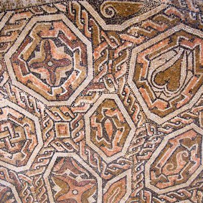 Motivos Geométricos En Mosaico De La Sala De La Exedra