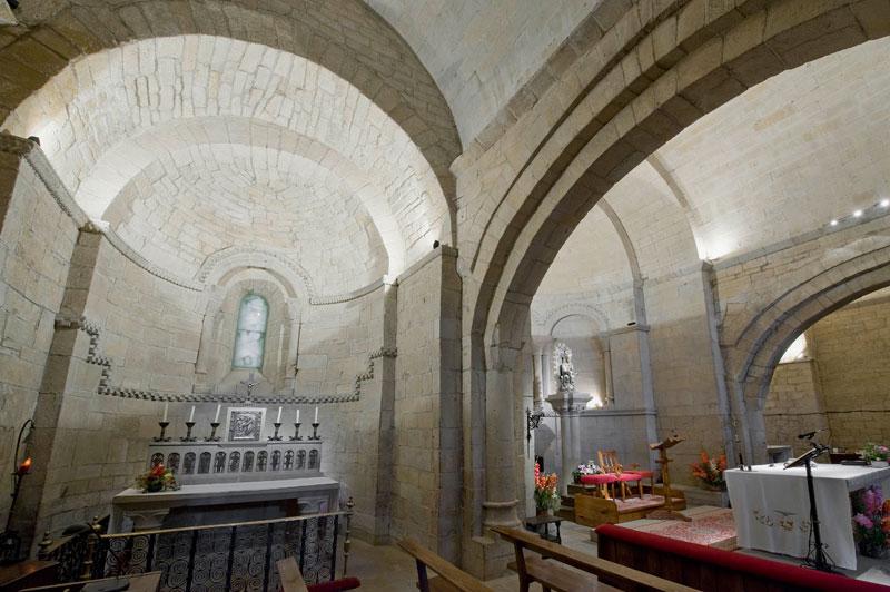 Santa María De Ujué. Intervención Integral En El Interior Y Casa Abacial